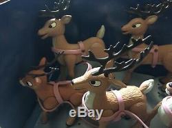 2003 Rudolph the Red Nose Reindeer Santa's Sleigh & Reindeer Team #6774 RARE