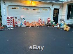 30 piece Vintage Christmas Empire Santa sleigh & reindeer blow mold set / union