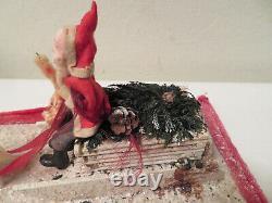 Antique Santa Sleigh Reindeer Chenille Wreath Border Christmas Holiday Display