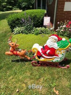 Grand Venture Santa Sleigh & Reindeer Lighted Blow MoldsBeautiful Condition