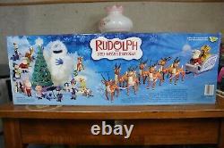 NIB Memory Lane Santa's Sleigh & Reindeer Team Very Nice