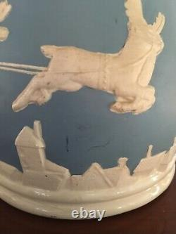 RARE Christmas Blue BowlSanta Sleigh Flying Reindeer Wedgwood Jasperware-Style