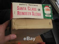 Rare 1950s Santa Claus and Reindeer Sleigh Tin Battery Op Modern Toys Japan Box