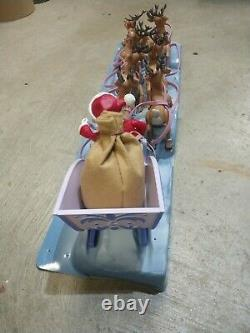 Rudolph the Red Nosed Reindeer Santas Sleigh & Team