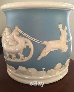 Vintage Christmas BowlWedgwood Jasperware StyleSanta Sleigh Flying Reindeer De
