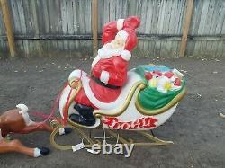 Vintage Santa Claus Sleigh 8 Reindeer Noel Christmas Blow Mold Light Plastic Set